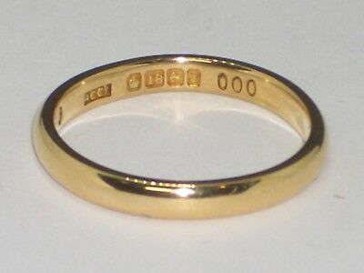 18ct Gold Wedding Ring, Yellow Gold Wedding Band 2.8mm width & 3.2grams weight.