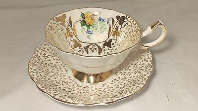 Queen Anne 396 Heavy Gold Decor With Yellow Rose Cup & Saucer Set in Exc. Cond.