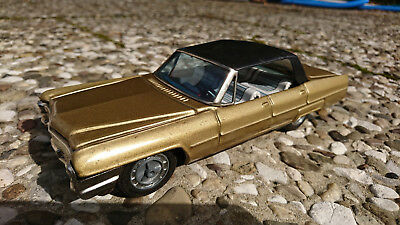 Bandai Cadillac Sedan de Ville 1965 Friktion Blechauto Tin toy Japan