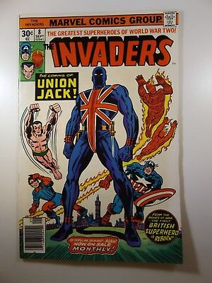 The Invaders #8 Awesome Cover! VF Condition!! Union Jack!!