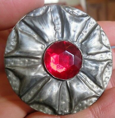 Lovely Vintage Arts & Crafts Style Red Glass Stone Brooch Pin Silver Tone (6556)