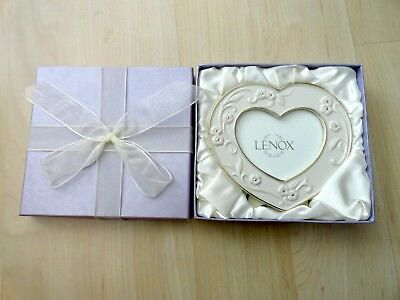 Lenox Heart Shaped Photo Picture Frame Holder. Gold Trim Hand Painted NEW IN BOX