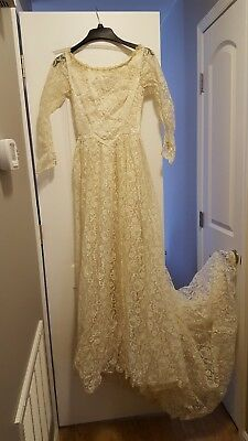 vintage mid-century wedding dress with lace and with train