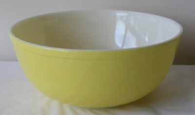 Large PYREX Bowl Yellow Size 404 4 quart Made in USA Vintage Retro