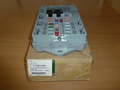 jaguar xf rear fusebox £125 00 picclick ukjaguar xf rear fusebox