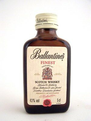 Miniature circa 1992 BALLANTINES FINEST Scotch Whisky Isle of Wine