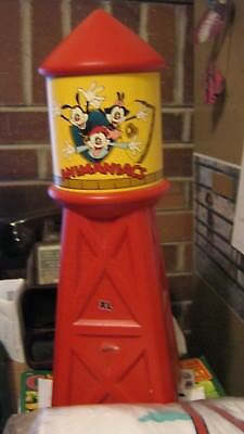 Animaniacs Water Tower Bank with original white T-shirt adult xl