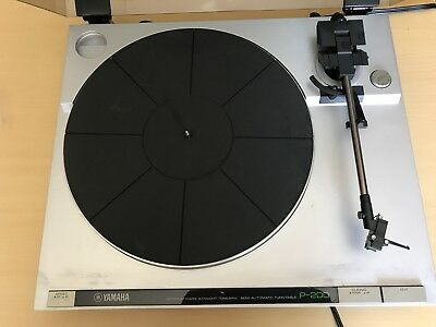 Vintage Yamaha P-200 Record Player Semi-Automatic Turntable With Dust Cover