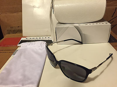 NEW Oakley - Game Changer - Women's sunglasses,  Navy-Chrome / Grey, OO9291-07