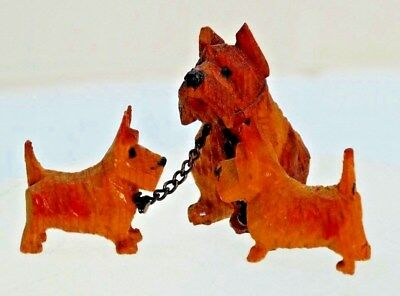 VTG Wood Carved ANRI Wooden TERRIER Dog Family w/ pups on chain marked ITALY