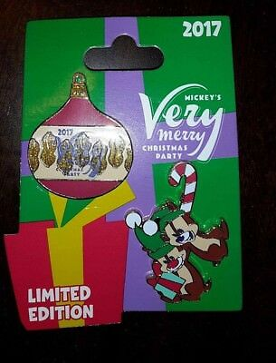 Disney 2017 Very Merry Christmas Party Chip and Dale Pin - New