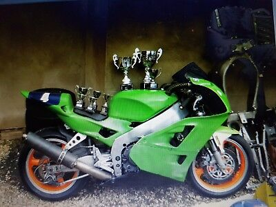 Kawasaki Zxr 400 Race Track Bike V5 And Many Extras