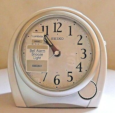 SEIKO SILENT SWEEP ALARM CLOCK ~ QHK009W ~ Boxed ~ Unused ~ Immaculate.