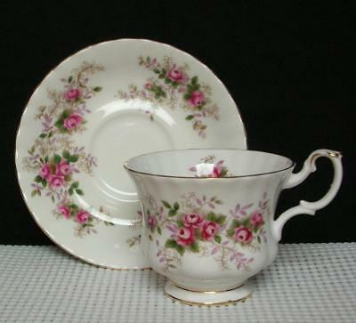Lovely Royal Albert LAVENDER ROSE Bone China FOOTED TEA CUP & SAUCER England EUC