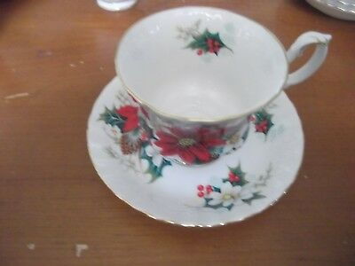 Royal Albert Poinsettia Tea Cups and Saucers Bone China England 4 Sets 1976