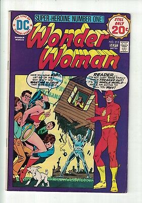 DC WONDER WOMAN #213 Sept 1974 20c USA featuring the Flash