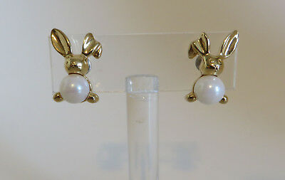 Pair of Vtg Avon Faux Pearls Bunny Rabbit Earrings Signed Jewelry Pierced