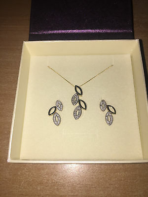 9ct Yellow & White Gold 20pt Diamond Leaf Necklace & Earrings Set New Boxed