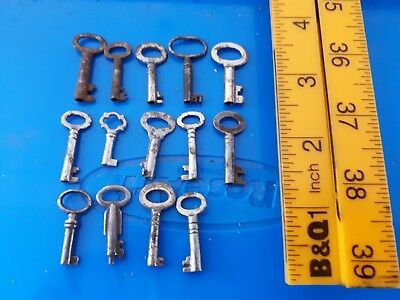 Lot of Small Little Old Antique Vintage Keys Rustic Steampunk Box or Chest Key 6