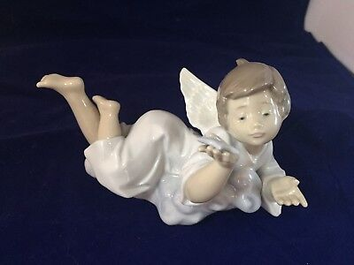 """LLADRO """"Making a Wish"""" Angel Wishing On Star - #5725 - Mint Condition"""