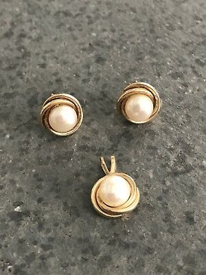 Vintage 10k Solid Yellow Gold & White Pearl Pendant and Earrings Jewelry Set NR
