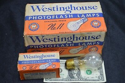 Westinghouse 8 Class M Press 11 Flash Bulbs With 30,000 Light Lumens Output