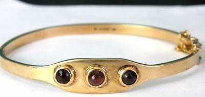 17.1g Fine Quality 9ct Solid Gold and Cabochon Garnet Hinged Bangle / Bracelet