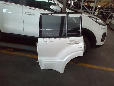 Mitsubishi Pajero Left Rear Door/sliding Np, Gls/exceed/vrx, W/ Smooth Mould Typ