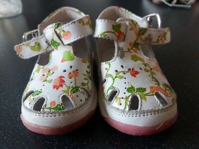 Falcotto baby girl sandals (first baby shoes) size 18 white with flower pattern.
