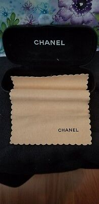 chanel sunglass case wirh cleaning cloth pre-own