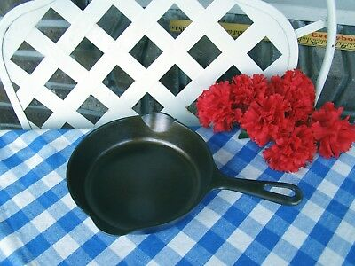 Griswold Cast Iron #4 Small Logo Late Handle Skillet – Cleaned and Seasoned