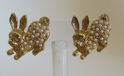 Pair of Vtg Avon Cluster Faux Pearls Bunny Rabbit Earrings Signed Jewelry Pierce