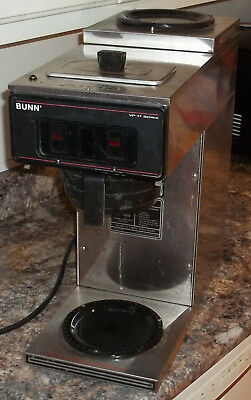 Bunn VP17-2 Stainless Coffee Maker with 2 Warmers Pour Over in Good Condition