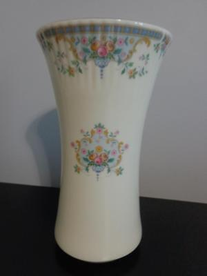 "Vintage 9"" Royal Doulton ""juliet"" Ribbed Top Vase H 5077 ~ Excellent Bone China"