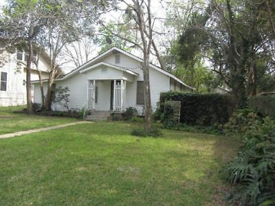 MULTI-USE, Commercial Zoned, Nice Single Family House in Goliad, Texas Downtown