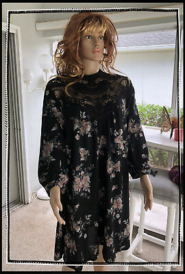 Soulmates Plus Lace Neckline Floral Print Swing Dress Womens Size 3X NWT