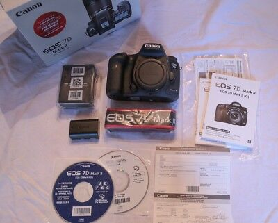 Canon EOS 7D Mark II 20.2MP Digital SLR Camera - Excellent Condition, light use