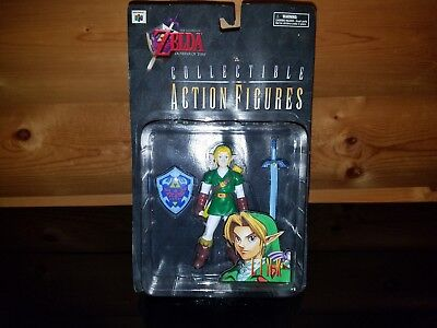 Legend of Zelda Ocarina of Time Link Figure + N64 Official NINTENDO POWER Guide