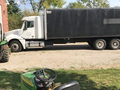 2007 Freightliner Columbia 30' Conestoga new trans and tires low miles