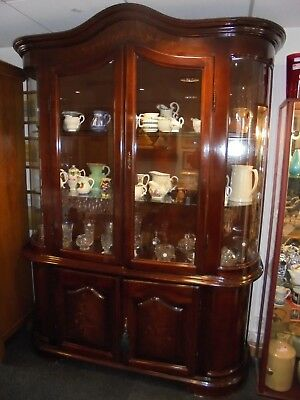 Fantastic Hardwood Mahogany Display Cabinet With Inlay & Curved Glass