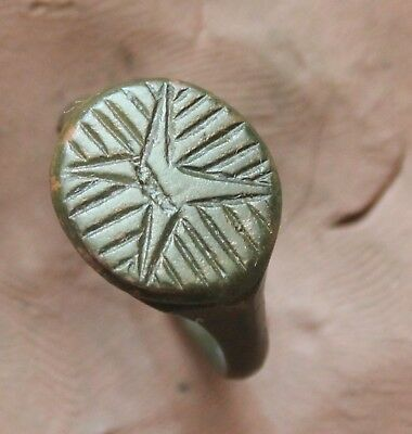 L6  Ancient Roman Bronze Ring with Decoration Star  Size D=19mm 4,6g Quality