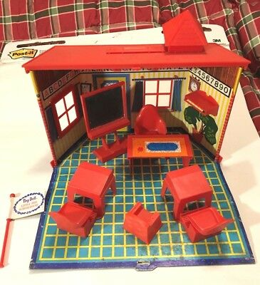 Remco Tiny Doll Little Red Schoolhouse dollhouse Mouse House 1967 school house