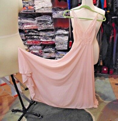 Vintage Olga Nightgown 9687 Full Sweep LONG Gown Pink Soft Lace -WOMEN SIZE S