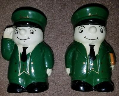Wade Set Of HARRODS Salt And Pepper Shakers Very Nice