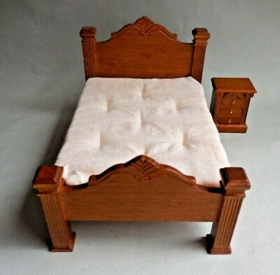 Dollhouse Miniature ~ 4 Poster Bed & End Table ~ Retired Concord