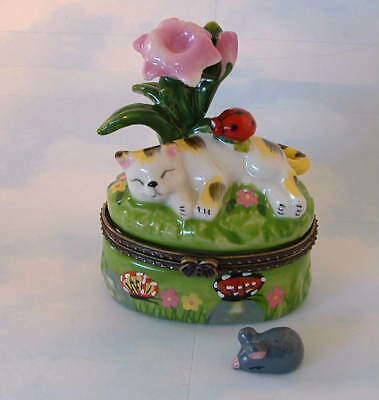 New  Handpainted Calico Cat Kitten & Ladybug Porcelain Hinged Trinket Box