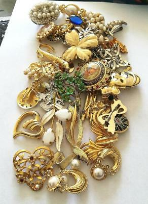 J1 Job Lot of assorted Brooches etc for spares, repair or harvest. used