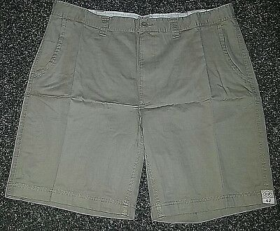 63bf74d1e2 NWT MSRP $30 JCP St Johns Bay Mens Flat Front 100% Cotton Shorts Khaki Size