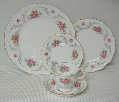 Royal Albert TRANQUILLITY 5 Piece PLACE SETTING Bone China England
