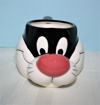 Warner Brothers Looney Tunes 3D Sylvester The Cat 12 oz. Facial Cup Mug